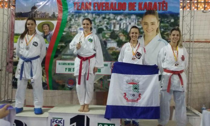 Associação Guabirubense ganha 13 medalhas no Estadual de Karatê