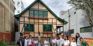 Estudantes no Museu Cassa de Brusque - 03