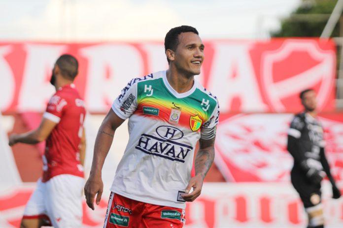 Brusque vence Vila Nova